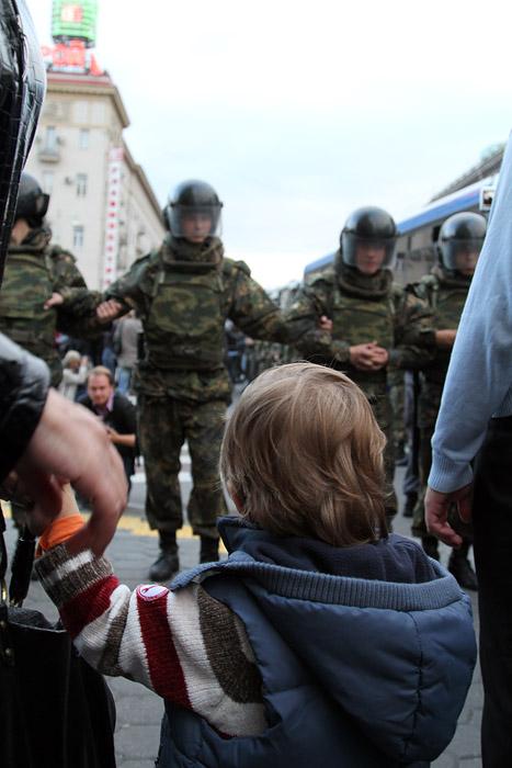 12 сентября 2010 г., вечер, Тверская площадь.